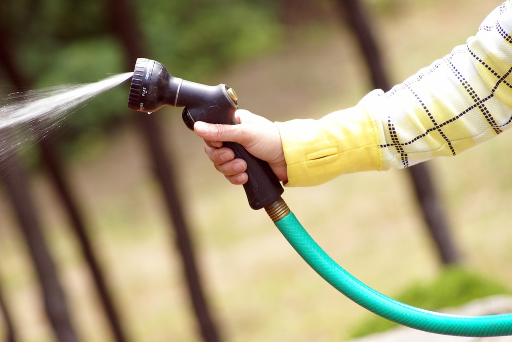 How Does a Garden Hose Nozzle Work
